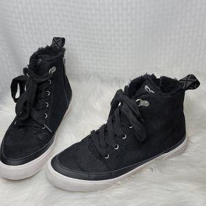 Roxy Ivan High Top Sneakers sz 8.5 great condition